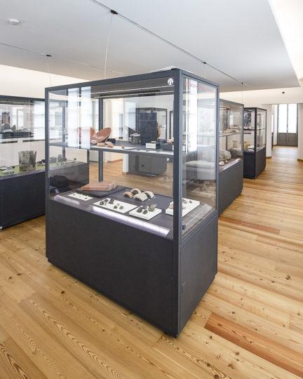 Vetrina Verticale Museo Archeologico della Valchiavenna